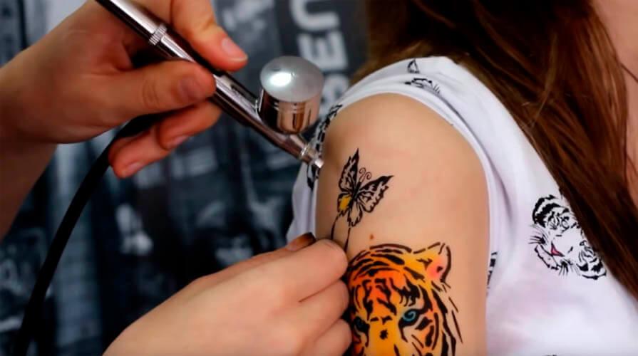Airbrush temporary tattoo
